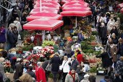 Kwiatu rynek w Zagreb obrazy stock