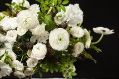 Kwiatu skład na czarnym tle Fotografia Royalty Free