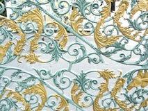 Kwiatu wzoru projekt aliaż lub kruszcowa brama Obrazy Stock