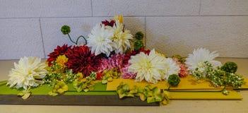 Kwiaty dla dekoraci przy eleganckim hotelem Fotografia Stock