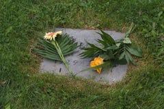 kwiaty grób Obrazy Royalty Free