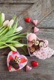 Kwiaty I czekolady Obrazy Stock