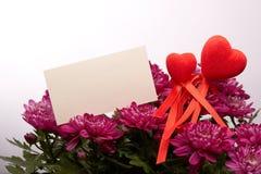 Kwiaty i czerwieni serca to walentynki dni Obrazy Stock