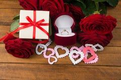 Kwiaty i pierścionek Obrazy Stock