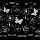 Kwiaty i kwiaty w kwiatów seamles powtórce deseniują tło w Czarny i biały ilustracja wektor