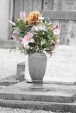Kwiaty na grobowach Zdjęcia Stock