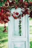 Kwiaty ozdabiają ślubną ceremonię fotografia stock