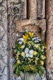Kwiaty w niszie Zdjęcia Royalty Free