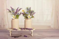 Kwiaty w okno Zdjęcie Royalty Free