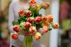 Kwiaty w rękach Zdjęcie Royalty Free