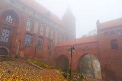 Kwidzyn Schloss und Kathedrale im nebeligen Wetter Stockfotografie