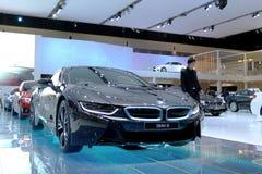 Kwiecień 2: Niezidentyfikowane wzorcowe BMW serie I8 Zdjęcie Stock