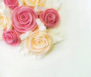 Kwiecisty urodzinowy tort Zdjęcia Royalty Free