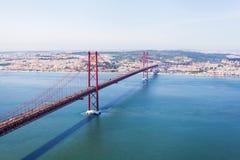 25 Kwietnia Lizbońskiego most panorama Zdjęcia Stock