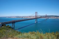 25 Kwietnia mosta Ponte 25 De Abril †'zawieszenie most o Obrazy Royalty Free