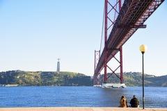 Kwietnia 25th most nad Tago rzeką w Lisbon Obrazy Stock
