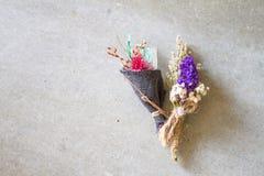 Kwitnie bukiet kolorowi kwiaty jest mały obraz royalty free