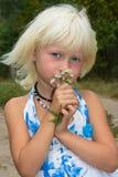kwitnie dziewczyny małej fotografia royalty free