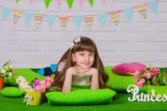 kwitnie małą dziewczyny wiosna Zdjęcia Royalty Free