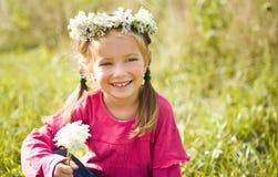 kwitnie małego dziewczyna wianek Fotografia Stock
