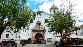 Kwitnie targowego i kościelnego Carmen De Los angeles asuncià ³ n, Ekwador zdjęcia royalty free