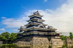 kwota tło zamku podobieństwo Japan rozrosło się Matsumoto s nieba przestrzeni symbolu non starej starej otwartej idealny rekonstr Obraz Stock