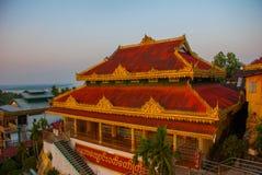 Kyaik Tan Lan 老Moulmein塔 毛淡棉,缅甸 缅甸 免版税库存照片