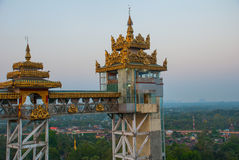 电梯 Kyaik Tan Lan 老Moulmein塔 毛淡棉,缅甸 缅甸 免版税库存照片