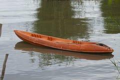 Kyak на озере. стоковая фотография rf
