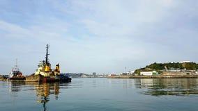 Kyaking onderaan de Rivier Plym Op nog wateren Plymouth Devon het UK stock afbeelding
