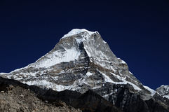 Kyashar, 6769m, Hymalayas,尼泊尔 免版税库存照片