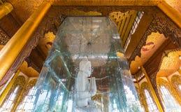 Kyauktawgyi buddha pagod Arkivfoton