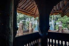 Kyaung Shwe在容器柚木木材寺庙和修道院,曼德勒, Myan 免版税库存照片