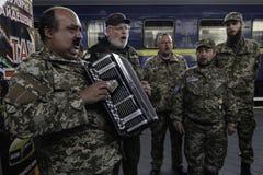 Kyiv,乌克兰- 2015年10月14日:乌克兰武力的乌克兰正统神父 库存照片