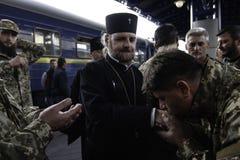 Kyiv,乌克兰- 2015年10月14日:乌克兰武力的乌克兰正统神父 免版税库存照片