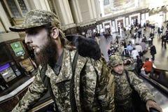 Kyiv,乌克兰- 2015年10月14日:乌克兰武力的乌克兰正统神父 免版税库存图片