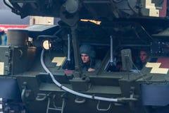 KYIV, ΟΥΚΡΑΝΊΑ - 24 ΑΥΓΟΎΣΤΟΥ 2016: Στρατιωτική παρέλαση μέσα, που αφιερώνεται στη ημέρα της ανεξαρτησίας Στοκ εικόνες με δικαίωμα ελεύθερης χρήσης