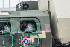 KYIV, ΟΥΚΡΑΝΊΑ - 24 ΑΥΓΟΎΣΤΟΥ 2016: Στρατιωτική παρέλαση μέσα, που αφιερώνεται στη ημέρα της ανεξαρτησίας Στοκ εικόνα με δικαίωμα ελεύθερης χρήσης