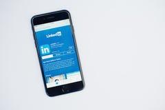 Kyiv, Ουκρανία - 11.2017 Ιουλίου: IPhone 7 της Apple με Linkedin applic Στοκ φωτογραφίες με δικαίωμα ελεύθερης χρήσης