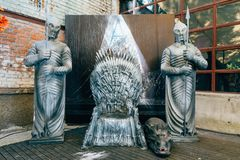 KYIV, ΟΥΚΡΑΝΊΑ - 9 ΣΕΠΤΕΜΒΡΊΟΥ 2018: Θρόνος σιδήρου από το παιχνίδι Thro στοκ εικόνα με δικαίωμα ελεύθερης χρήσης