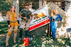 KYIV, ΟΥΚΡΑΝΊΑ - 9 ΣΕΠΤΕΜΒΡΊΟΥ 2018: Τοποθέτηση Cosplayers στο κωμικό κοβάλτιο στοκ εικόνα