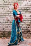 KYIV, ΟΥΚΡΑΝΊΑ - 9 ΣΕΠΤΕΜΒΡΊΟΥ 2018: Cosplayers Anime που θέτουν στο κοβάλτιο στοκ φωτογραφία με δικαίωμα ελεύθερης χρήσης