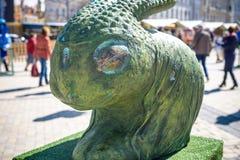 KYIV, ΟΥΚΡΑΝΊΑ ΣΤΙΣ 7 ΑΠΡΙΛΊΟΥ 2018: Ετήσια έκθεση Πάσχας που πραγματοποιείται στο κέντρο της πόλης Οι καλλιτέχνες παρουσιάζουν χ Στοκ Εικόνες