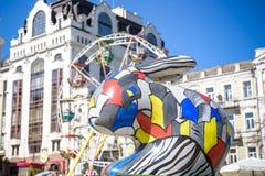 KYIV, ΟΥΚΡΑΝΊΑ ΣΤΙΣ 7 ΑΠΡΙΛΊΟΥ 2018: Ετήσια έκθεση Πάσχας που πραγματοποιείται στο κέντρο της πόλης Οι καλλιτέχνες παρουσιάζουν χ Στοκ φωτογραφία με δικαίωμα ελεύθερης χρήσης