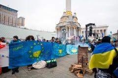 KYIV, ΟΥΚΡΑΝΊΑ: Χιλιάδες στάση ανθρώπων σε Euroma Στοκ Εικόνα