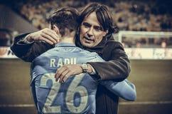 KYIV, УКРАИНА - 15-ое марта 2018: Simone Inzaghi благодарит его игрока Стоковая Фотография RF