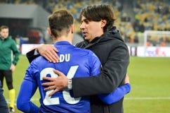 KYIV, УКРАИНА - 15-ое марта 2018: Simone Inzaghi благодарит его игрока Стоковое фото RF