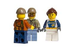 KYIV, УКРАИНА - 10-ое мая 2018: мини-диаграммы lego беседуют на белой предпосылке Макрос Lego Minifigures изготовлено Lego Gr стоковое изображение rf