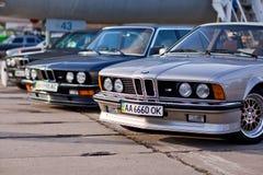 Kyiv, de Oekraïne - 23 APRIL, 2016: BMW M3, M5, M6 op tentoonstelling van oude auto's - OldCarLand 2016 Stock Foto's