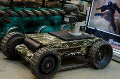 Kyiv, de Oekraïne - Oktober 10, 2018: Robot met afstandsbediening met camera Internationale Tentoonstellingswapens EN VEILIGHEID  royalty-vrije stock fotografie